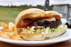 Public golf course food